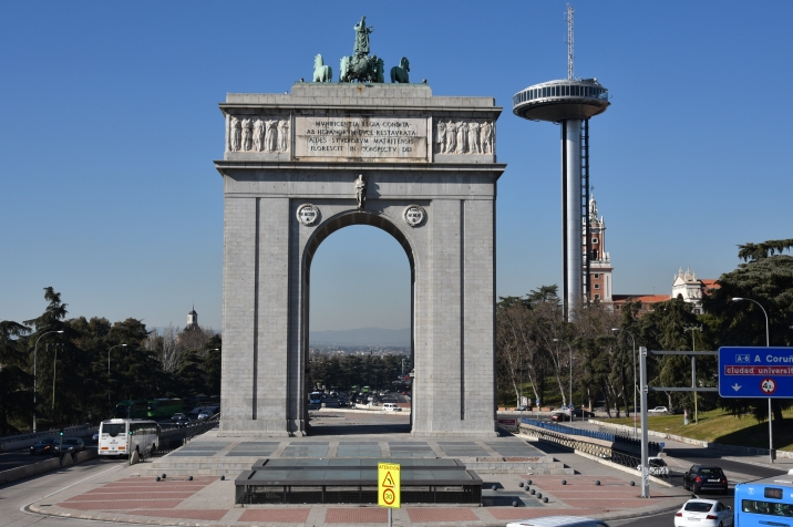 Arco de la Victoria is a triumphal arch built in the Moncloa district of Madrid, Spain. The arch was built at the behest of Francisco Franco to commemorate the victory of Francoist troops in the 1936 Battle of Ciudad Universitaria, part of the Spanish Civil War. It is at the Moncloa subway station where I transfer to catch the bus to UFV. I'll have to photograph it in the morning when the sun is on the front