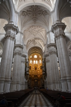 20_Cathedral_CenterAisle