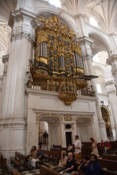 25_Cathedral_OrganSection